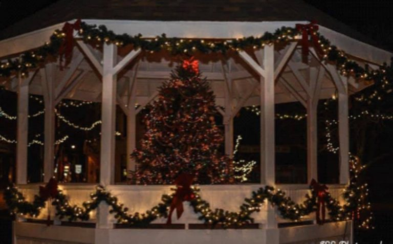 Mt. Sterling Invites You to Christmas in the Village