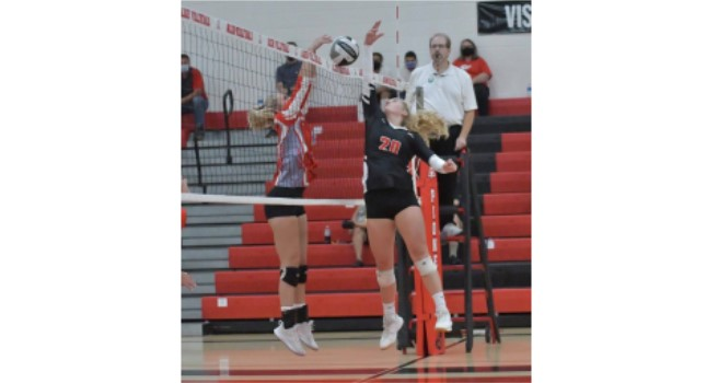 Alder sweeps LHS on Volleyball Court